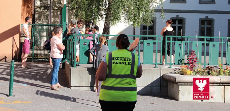 Agents de surveillance des passages piétons